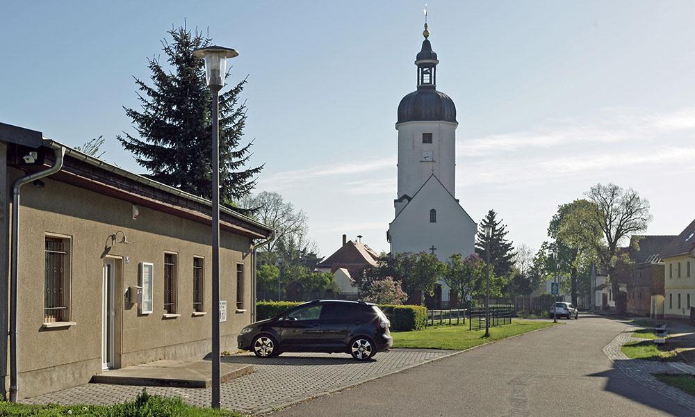 Leipzig Rehbach, Blick Richtung Dorfkirche