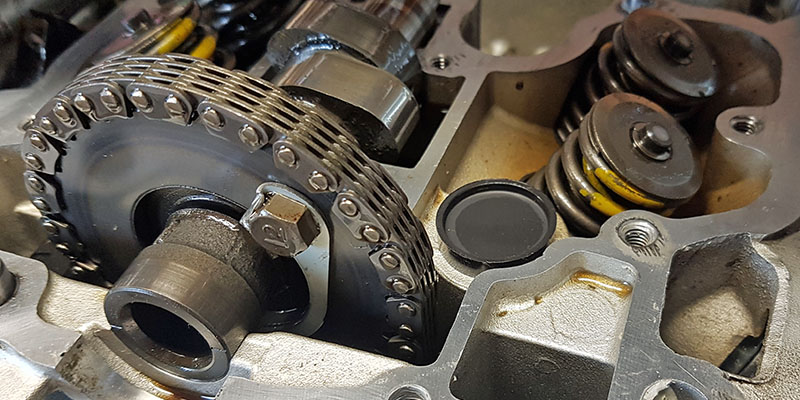 LS 650 Motor mit abgenommenem Zylinderkopfdeckel und neuem Stopfen